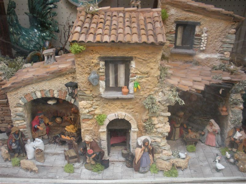 Presepi da collezione presepi artistici - Prezzi per costruire una casa ...